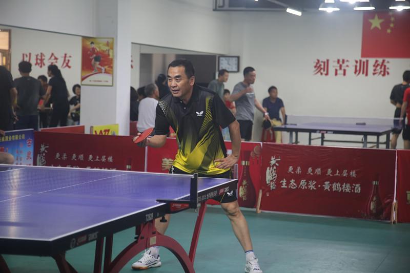 英山法院代表队在全县乒乓球比赛中获得佳绩